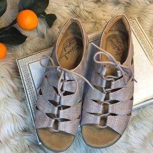 SOUL Naturalizer Beatrice Ghillie Sandal Size 8.5M